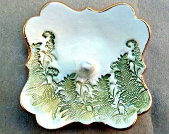 Small Ceramic Ring Holder with ferns Off White