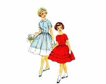 1950s Girls Full Skirt Dress Simplicity 2943 Vintage Sewing Pattern Size 10 Breast 28