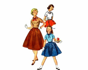 1950s Girls Blouse and Skirt Simplicity 2250 Vintage Sewing Pattern Size 10 Breast 28