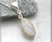 Rainbow Moonstone Necklace, Moonstone Jewelry, Sterling Silver, Natural Stone, Silver Moonstone Necklace (SN860)