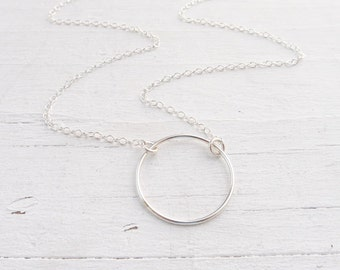 Silver Circle Necklace Eternity Necklaces Open Circle Pendant Round Wire Charm Necklace Gifts for Friends Minimal Jewelry Everyday Wear