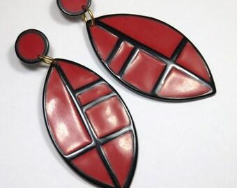 SJK VINTAGE -- L Bott, Lawrence Bott Signed Designer Resin Red and Black Pierced Earrings (1980's)