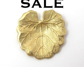 LOW Stock - Brass Lilly Pad Charms (8X) (V472) SALE - 50% off