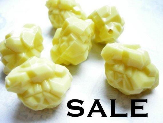 Huge Vintage Yellow Plastic Rock Beads (12X) (B529) SALE - 50% off