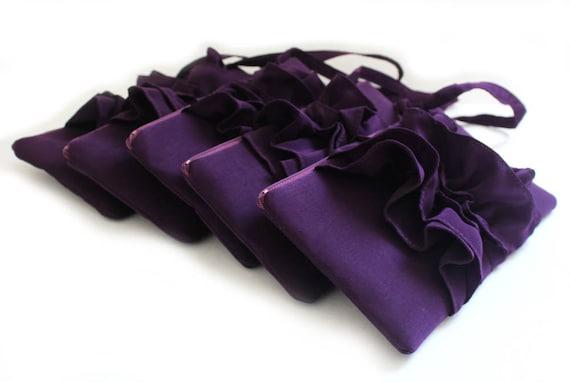 A SET OF 5 Purple Eggplant Bridesmaids Clutches - Bridal Ruffle Wristlet