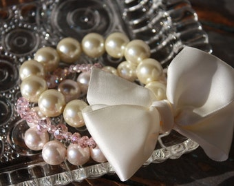 Pearl bracelet, chunky pearl bracelet with satin bow, blush and ivory bridesmaid bracelet