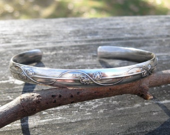 Leaves and vines patterned sterling silver cuff bracelet