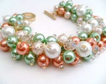 Peach and Green Pearl Beaded Bracelet, Wedding Jewelry, Bridesmaid Bracelet, Cluster Bracelet, Pearl Bracelet, Chunky Jewelry, Spring