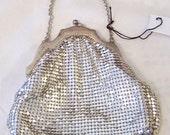 Vintage WHITING & DAVIS CO.  Silver Tone Metalic  Mesh Evening Purse Bag