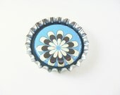 Retro Flower Blue Brown Bottle Cap Magnet for your fridge