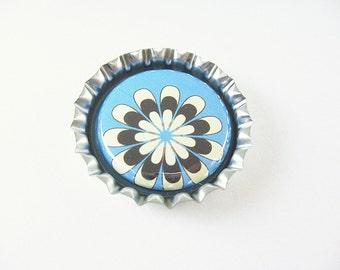 Retro Flower Blue Brown Bottle Cap Magnet for your fridge