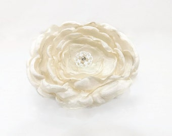 Victorian Bridal Hair Clip Ivory Cream Alencon Lace Silver Button Shabby Chic
