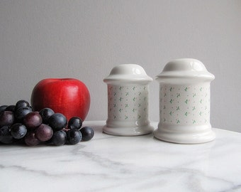 Vintage Salt And Pepper Shakers, Large Shakers 1989
