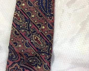 Vintage Men's Silk  Necktie Pink with Blue Paisley