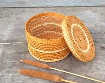 Vintage Covered Basket,  Delicate tightly Woven Pumpkin Orange Basket