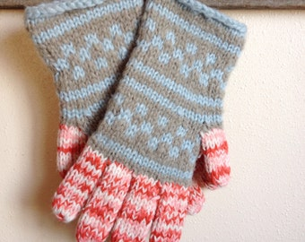 Flash SALE now only 12.00!!  Vintage Handmade Wool Knit Gloves, Pink and Blue Warm Gloves