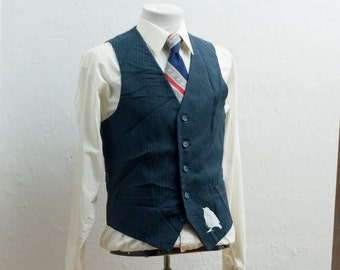 Men's Suit Vest / Medium / Vintage Navy Pinstripe Waistcoat / Screen Printed Sparrow / Size 38