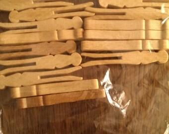 "Lot of 15  2 1/2"" Wooden Clothespins Clothes Pins"