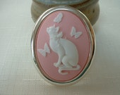 Pretty Kitty Cameo Brooch