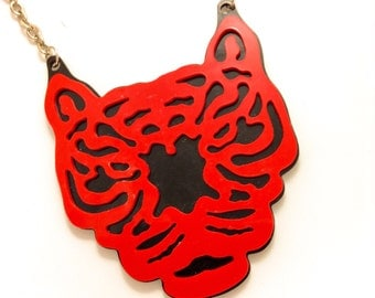 RED BLACK king of amazon wild animal kingdom LION tiger tammer fire dangerous huge plastic hardy acrylic necklace pendant detail chain