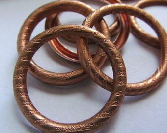 Vintage Brass Rings (4) Round Frame Finding