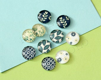 10pcs handmade assorted leaves and flower round clear glass dome cabochons 12mm (12-9418)