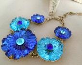 Vintage Glass Flower Bracelet- Blue & Turquois - Glass  -  Silver Metal Chain - Indigo Blue- Gift Idea - Fashion Jewelry - Summer Bracelet