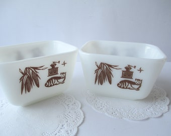 Vintage Pyrex Early American Small Refrigerator Dish Pair