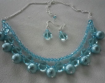 SALE Turquoise Blue and Silver Collar Bib Necklace and Complimentary Earrings
