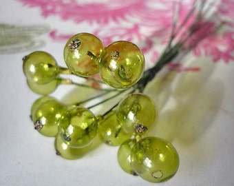 Vintage Millinery Glass Berries in Clear Moss Green