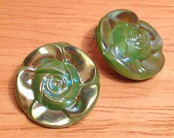 Vintage green flower post earrings.