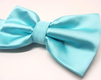 Mens Bowtie. Pool Blue Bowties. Robin Blue Eggs Blue Bow tie With Matching Pocket Square Option