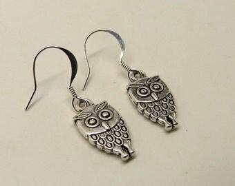Steampunk earrings. owl earrings.