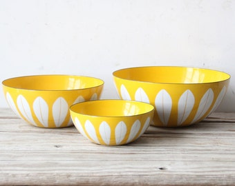 "Extra Large 11"" Cathrineholm Yellow Bowl"