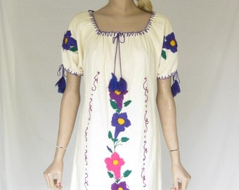 vintage 70s Mexican Embroidered Boho Maxi Dress