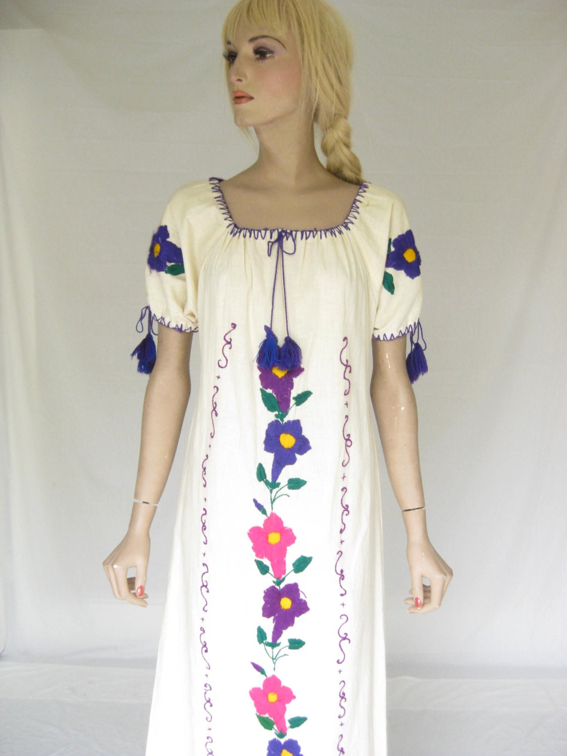 Vintage s mexican embroidered boho maxi dress