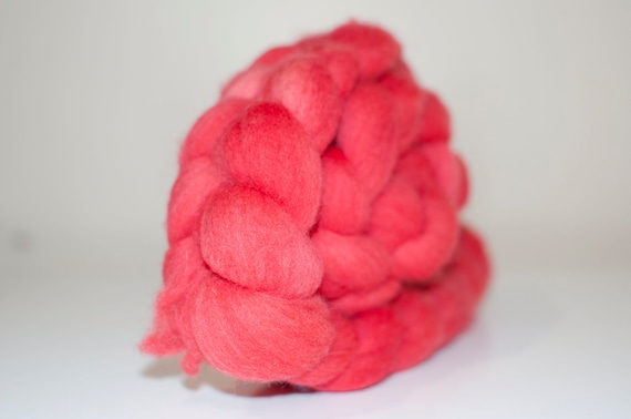 100g Handpainted Merino Fibre in Desert Pea Colourway