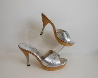 60s shoes /  Silver Siren Vintage 1960's Platform Wood High Heels Mules