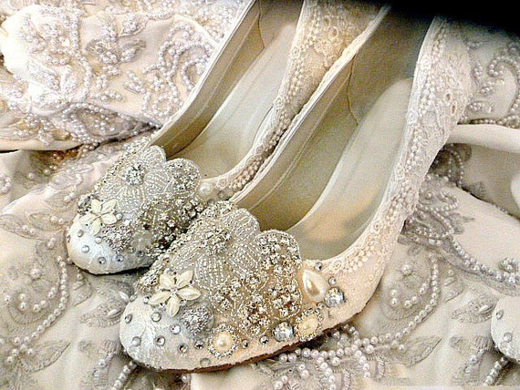 Lace Wedding Shoes .. Vintage Lace Wedding Shoes .. Lacy Wedding Heels.. Bridal Shoes .. Sparkling Lace Bridal Heels . Fantasy Bridal Shoes