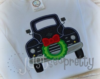Christmas Vintage Truck Wreath Embroidery Applique Design
