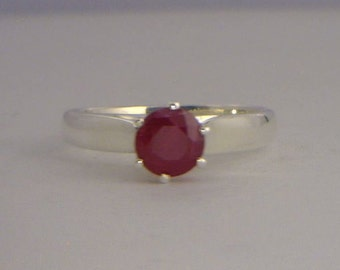 Red Ruby No Leaded Glass Handmade Silver Ladies Engagement Style Ring size 6.75