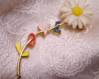 Vintage1960's Flower Power Daisy Love Brooch for Your Favorite Hippie(J30)