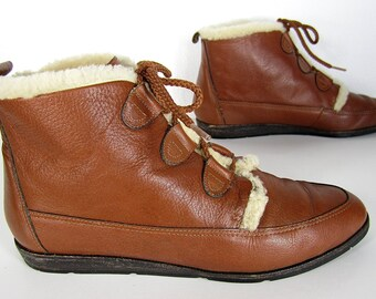 vintage 1980s caramel brown leather ANKLE boots faux shearling LACE up booties womens 6 1/2 7 hiking outdoors grunge boho classic vanderbilt