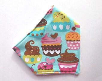 Bandana Bib - Baby - Baby Bandana Bib - Cupcakes  - Drooling - Cupcakes Bib
