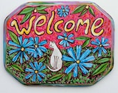 Welcome Cat Sign - White Cat With Blue Daisies