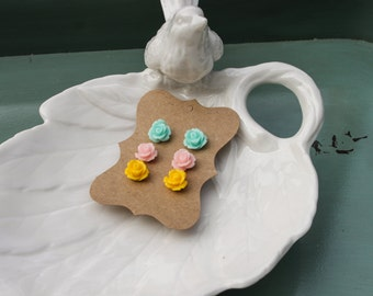 Sweet Flowers - Set of 3 tiny earrings