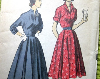 Vintage Sewing Pattern - Fifties Dress with Full Skirt and Cuffed Sleeves - Advance 5971 / Size 15