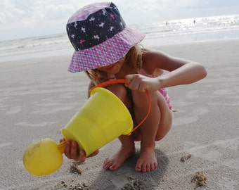 Bucket hat for toddler girls, adorable travel sun hat for kids with puppies and kitties