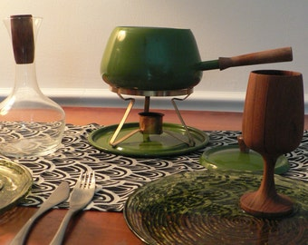 Mid century green fondue pot complete set / vintage 1950s 60s fondue pot with lid stand tray/ made in Japan