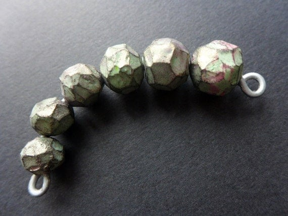 Chunky Babies. Rough faceted polymer beads in green with iridescence. Large hole, chunky. 6 graduated/3 earring pairs.
